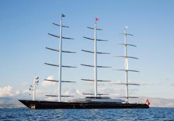 Dreimaster: Segelschiff mit drei Masten