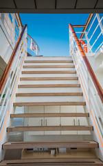 Treppenaufgang Kreuzfahrtschiff