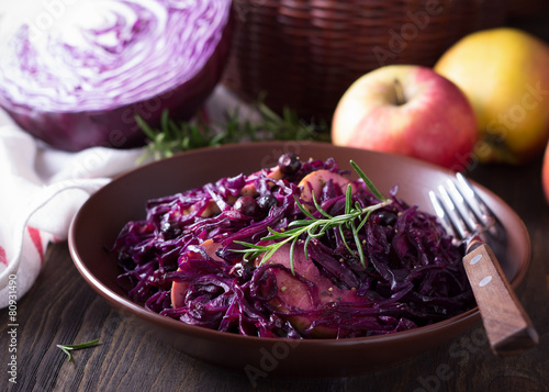 Papiers peints Entree, salade Spicy red cabbage stewed with apples and blackcurrant