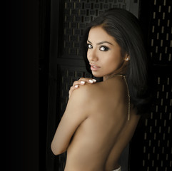 Beauty fashion portrait of exotic woman