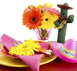 Happy Cinco de Mayo colorful party table