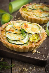 tart with zuccini, leek and cheese