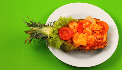sweet and sour shrimp in pineapple boat thai style