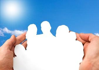 Scherenschnitt - Familie in Händen