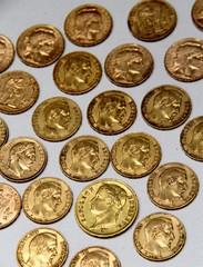 Pieces françaises anciennes en or
