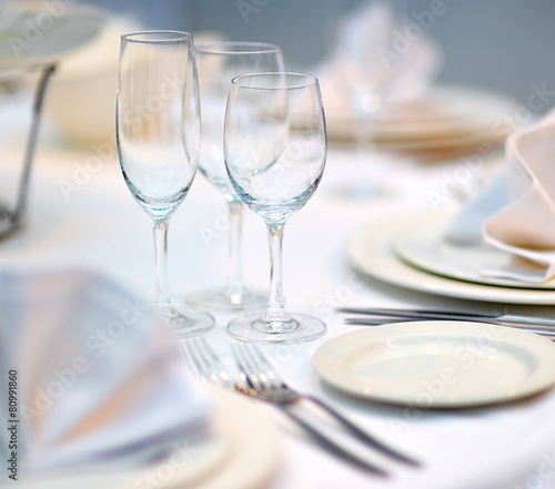 Papiers peints Table preparee Table set for dinner or reception