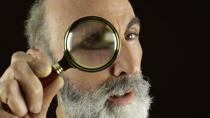Private eye magnifying lens gotcha