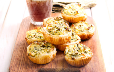 Cheese and spinach mini pies