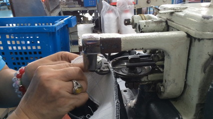 stitching shoe component by strobel insole sewing machine
