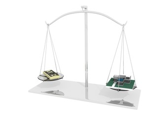 Дом и деньги на весах