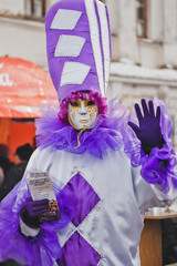 The mime in a violet suit 2205.