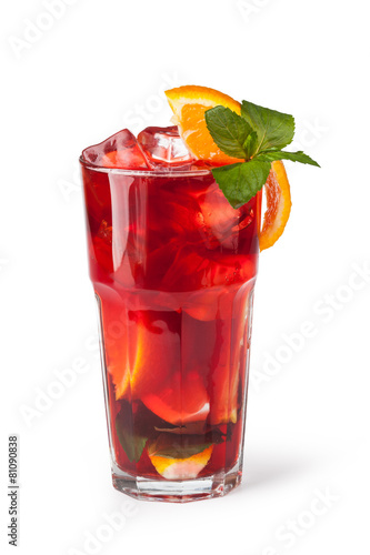 Glasses of fruit drinks with ice cubes - 81090838