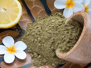 Tiare flowers, lemon and henna powder