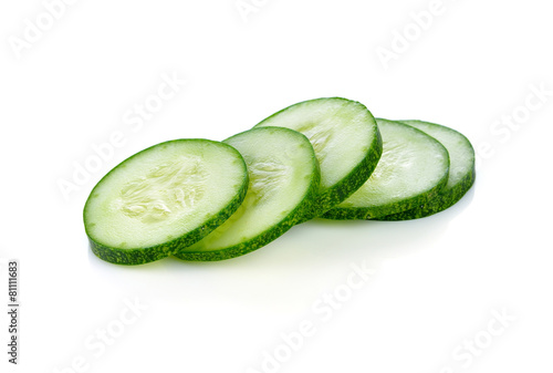 Plexiglas Groenten Fresh slice cucumber on white background