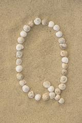 Alphabet Buchstabe Q aus Schneckenhäuschen