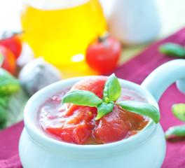 tomato in sauce