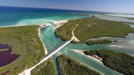 desembocadura puente rio