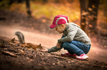 Белка и ребенок