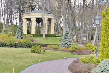 Фрагмент весеннего парка