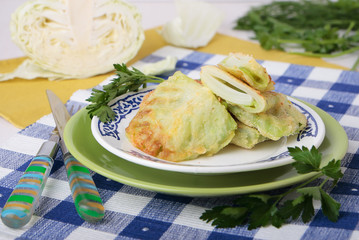 Fried cabbage leaves