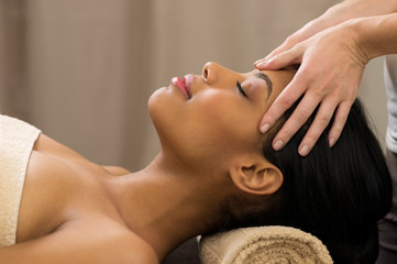 Head massage at spa