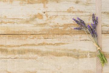 Hintergrund im Shabby chic mit Lavendel