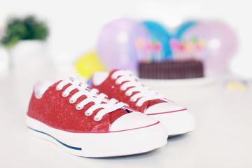 Kindergeburtstag und bunte Sneaker