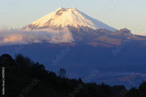 Leinwanddruck Bild Cotopaxi volcano, Ecuador