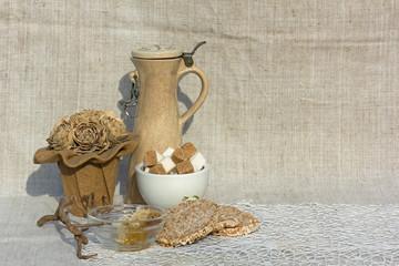 мед,хлебцы и сахар