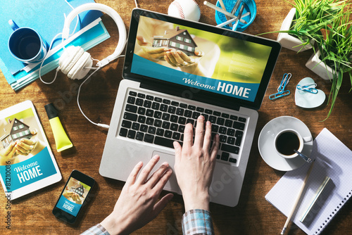 Real estate website mock up - 81210086