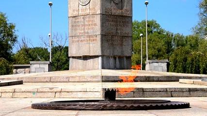 Kaliningrad. The eternal flame at the memorial to 1200 Guardsmen