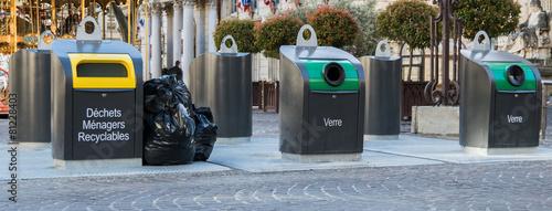 Leinwanddruck Bild poubelle de recyclage