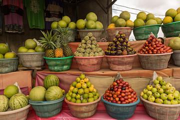 Frutas tropicales en venta.