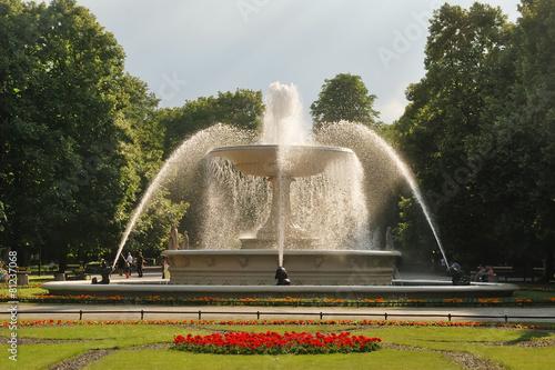 Leinwanddruck Bild Saxon Garden in Warsaw