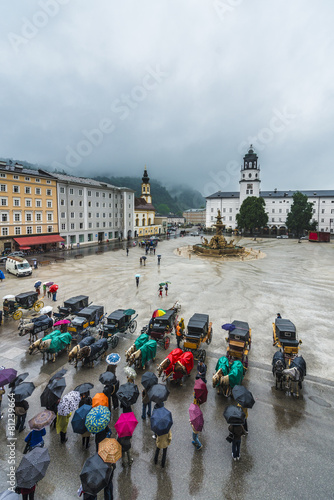 Leinwanddruck Bild Residenzbrunnen fountain on Residenzplatz in Salzburg, Austria
