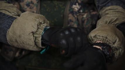 commando dress gloves
