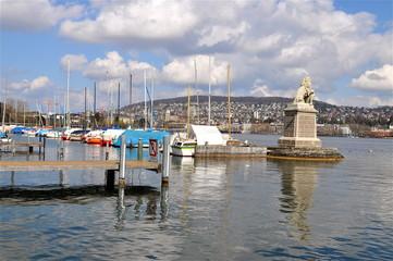 Zürichsee -am Hafen Wollishofen / Zürich