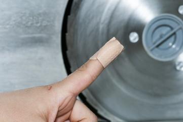 Verletzungsgefahr Brotschneidemaschine
