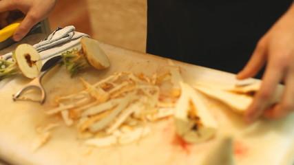 Cutting artichoke