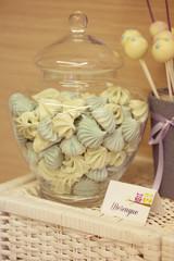 Cake pops and meringue