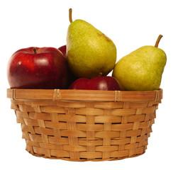 Яблки и груши в корзине на белом фоне