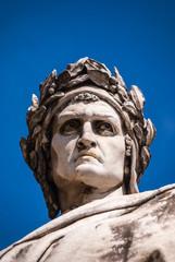Dante Statue in Florenz Detail