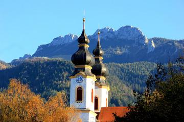 Pfarrkirche von Aschau vor der Kampenwand