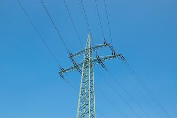 Hochspannungs Turm mit Himmel Hintergrund.
