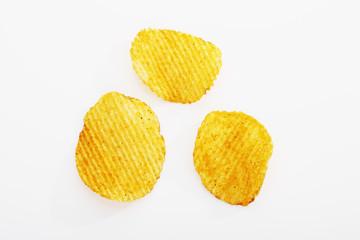Drei Chili Chips , Kartoffelchips, Freisteller