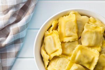cooked ravioli pasta in bowl