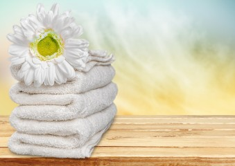 Towel. Daisy and Towels