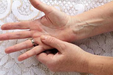 Schmerzende Hände und Finger