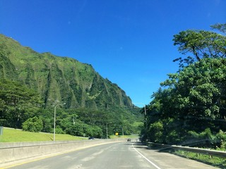 No traffic on the H3 Freeway in Hawaii