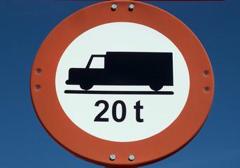 señal de prohibicion a camiones